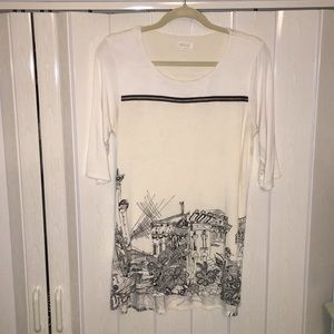 White quarter sleeve top with black ink design